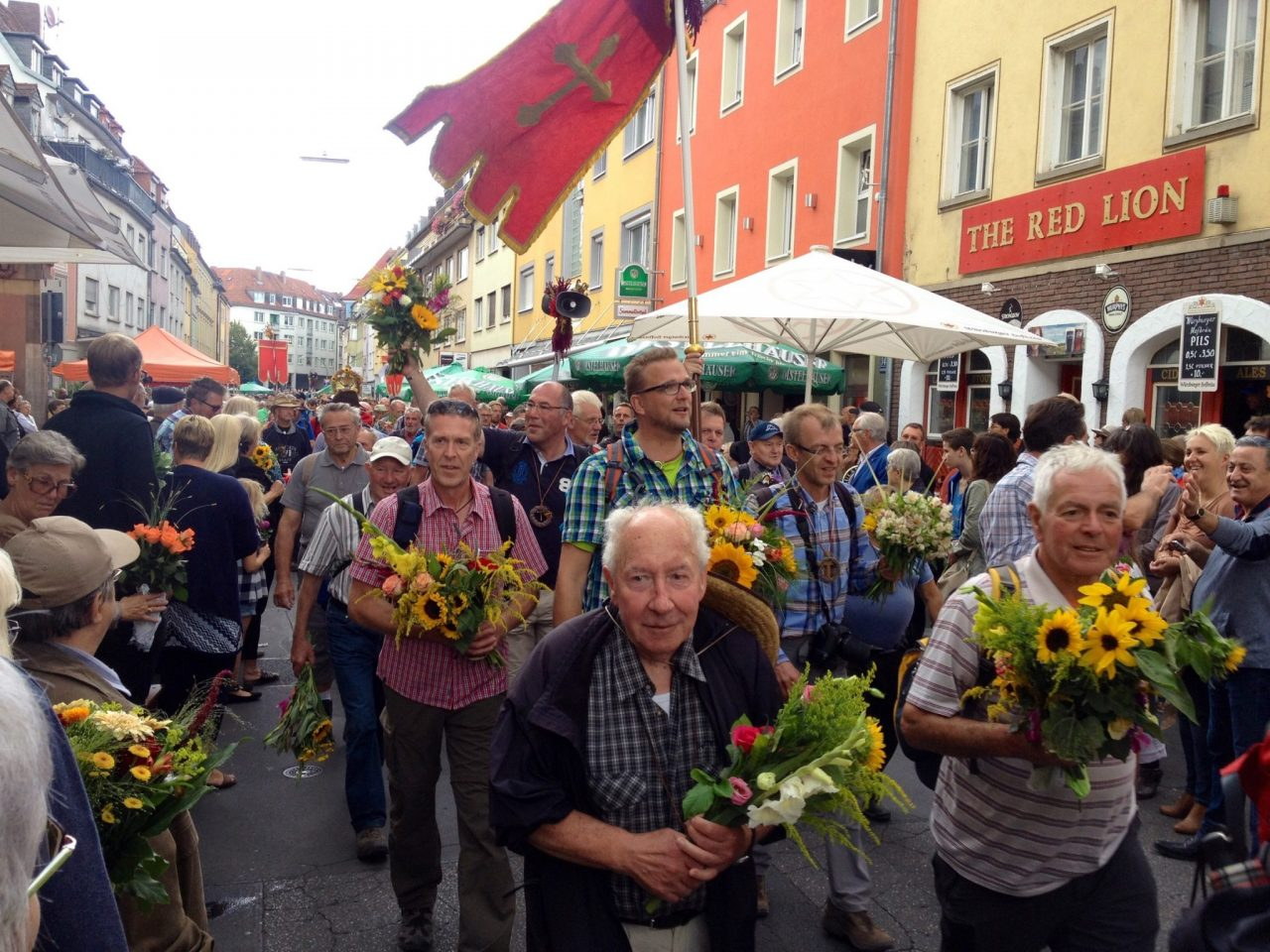 Pilgrims at Zwiebelkirchweih Wuerzburg