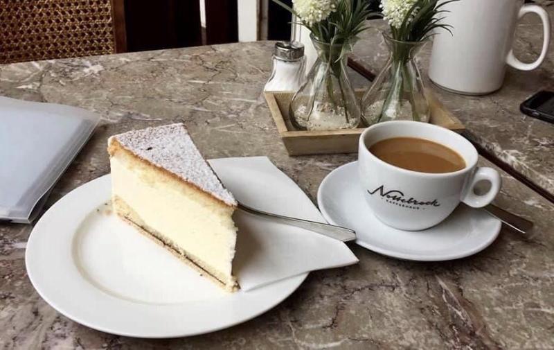 Kaesesahne Torte, German cream cake