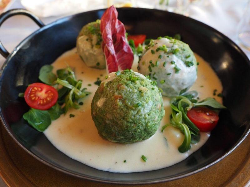 Spinach dumplings, Spinat knoedel with cheese