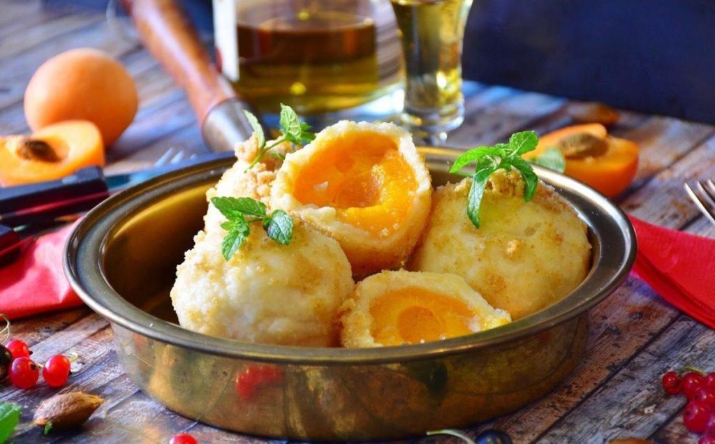 Marillenknödel, Apricot dumplings
